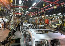وزیر صنعت: خودروسازان ملزم هستند براساس شرایط قرارداد با مردم، محصولات خود را عرضه کرده و تعهدات خود را عملی کنند.